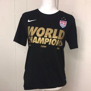 US soccer world champions T-shirt size small